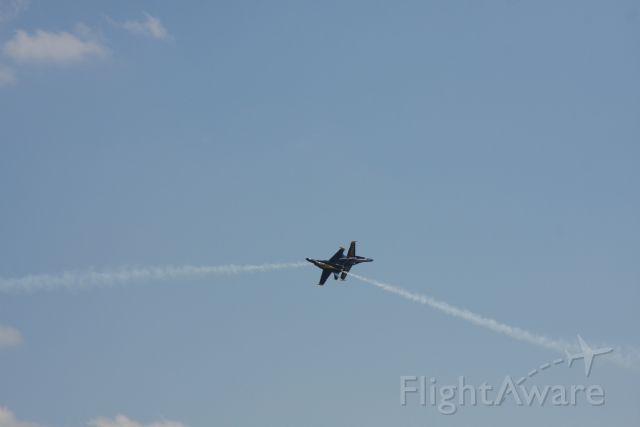 — — - BLUE ANGELS TUSCALOOSA AIR SHOW 2009.