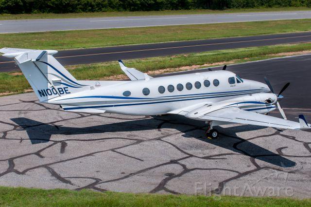 Beechcraft Super King Air 350 (N100BE)