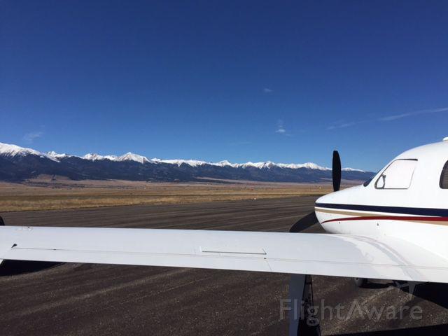 Piper Malibu Mirage (N110BM)