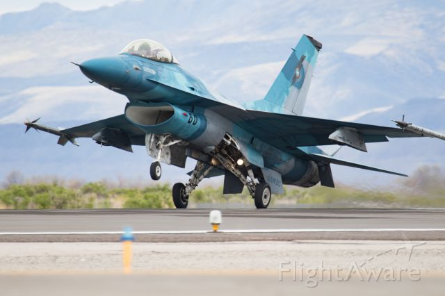 Lockheed F-16 Fighting Falcon — - Runway 25 at NAS Fallon.br /An aggressor returning from the hunt.