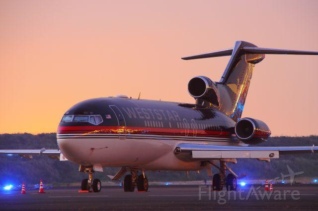 Boeing 727-100 (N800AK)