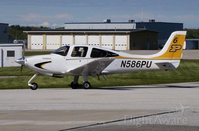 Cirrus SR-22 (N586PU)