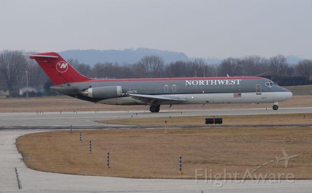 McDonnell Douglas DC-9-30 (N967N)