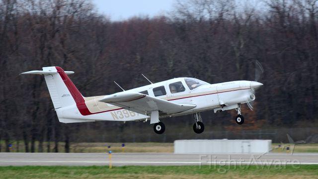 Piper Lance 2 (N39673) - Departing Runway 8