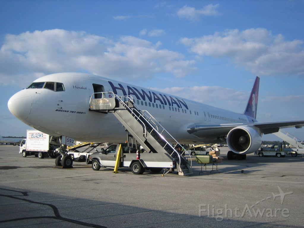 BOEING 767-300 (N592HA) - Hawaiian Airlines operating a charter for the Oakland Raiders