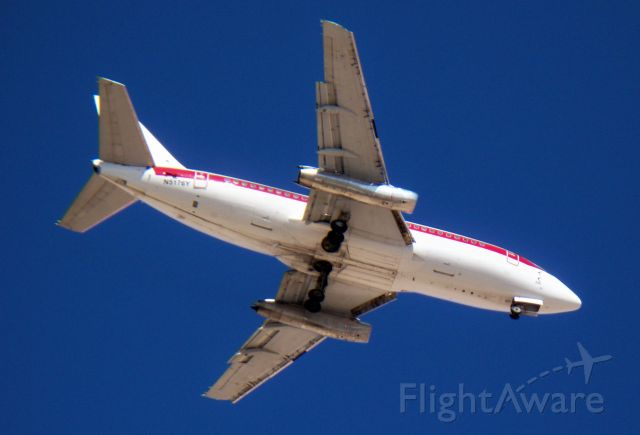 Boeing 737-200 (N5176Y) - Janet is cleared to land...