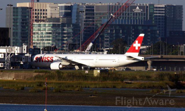 BOEING 777-300ER (HB-JNI)