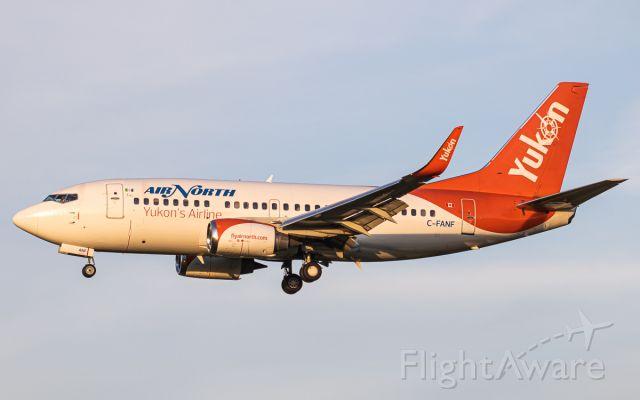 Boeing 737-500 (C-FANF)