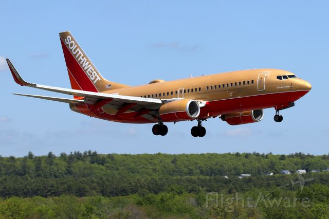 Boeing 737-700 (N711HK) - 'Southwest 254',  in the Herbert D. Kelleher classic retro livery, arriving from Tampa
