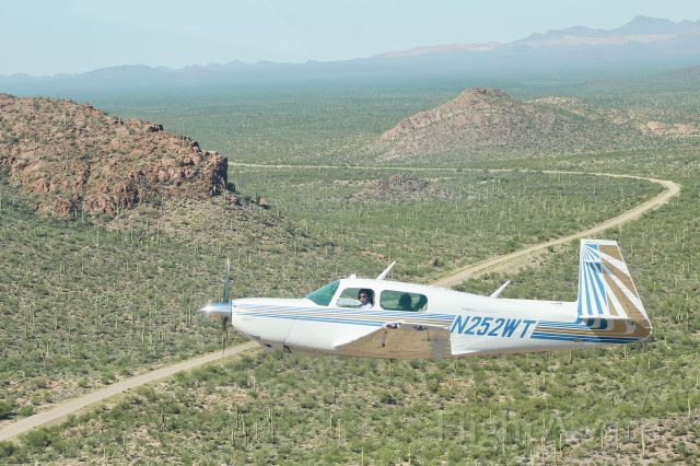 Mooney M-20 Turbo (N252WT) - Off roading over the Sonoran Desert w/ Owen @sjcspotter
