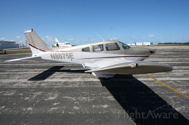 Piper Cherokee (N8075E) - 1980 Piper Archer Scott MacDonald Aircraft Sales N8075E