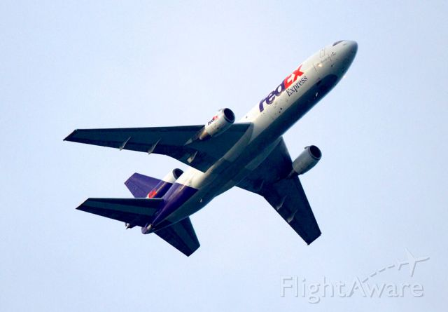 McDonnell Douglas DC-10 (N560FE) - Climbing out of Tampa, on time at around 9000 feet, 8 .05 am. Right on time.