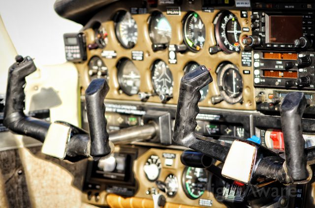 Piper Cherokee Arrow (N423CC) - Flight deck of N423CC.