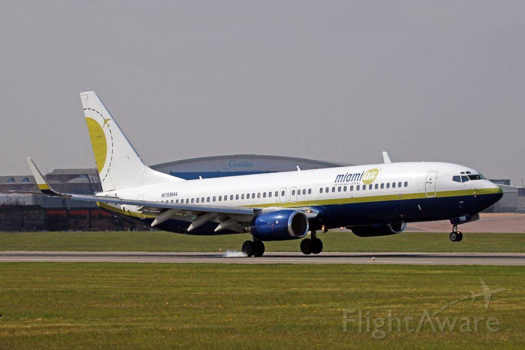 Boeing 737-800 (N733MA)