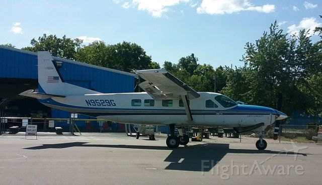 Cessna Caravan (N9529G) - skydiver jump plane for StartSkydiving at MWO airport