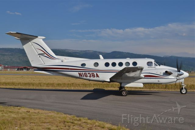 Beechcraft Super King Air 300 (N163BA)