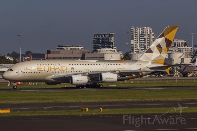 Airbus A380-800 (A6-APB)