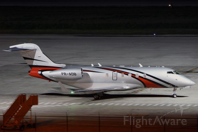Bombardier Challenger 300 (PR-ADB)