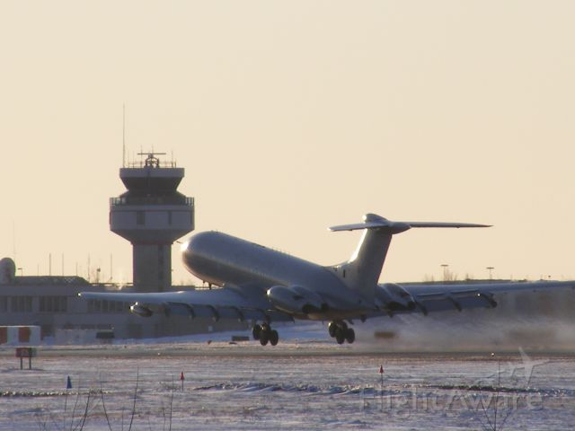 VICKERS VC-10 (XV106) - VC-10 taking off at Ottawa,Ontario,Canada. On runway 25.It was -17 outside when taken.