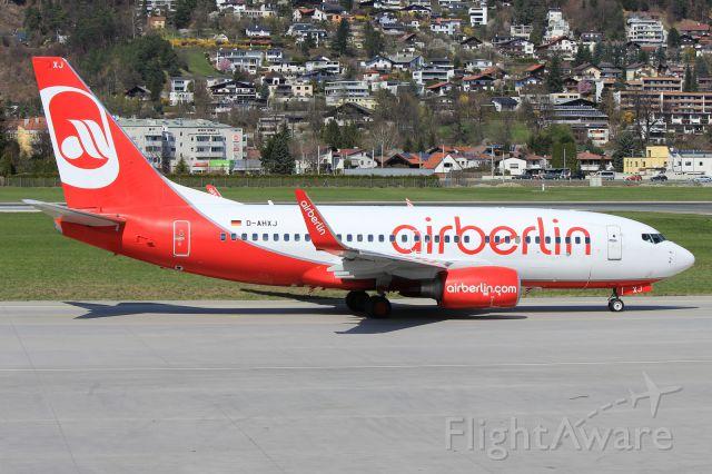 Boeing 737-700 (D-AHXJ)