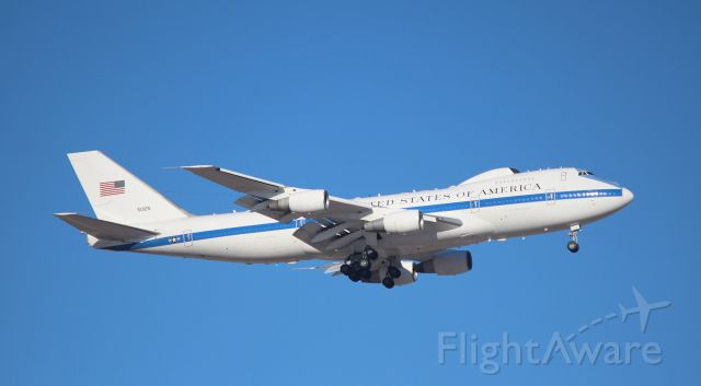 Boeing 747-200 (75-0125) - 010714 NEACP on short final at Offutt AFB.