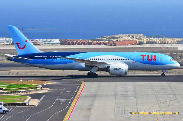Boeing 787-8 (PH-TFL) - Tenerife Sur<br />03/09/2017