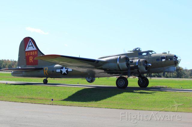 Boeing B-17 Flying Fortress (N93012)