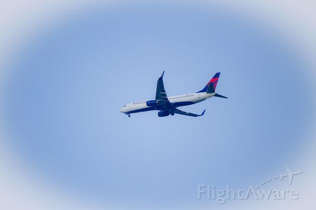 Boeing 737-800 (N385DN) - Delta Airlines