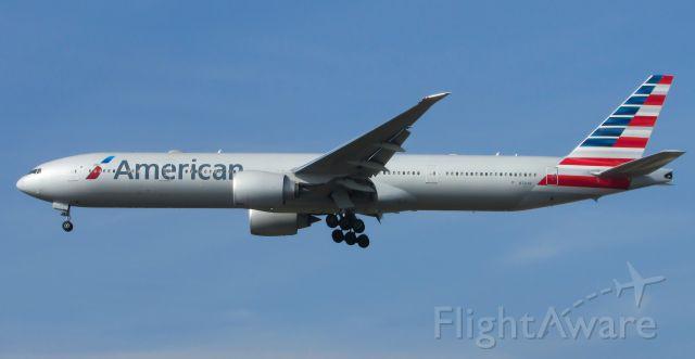 BOEING 777-300ER (N721AN)