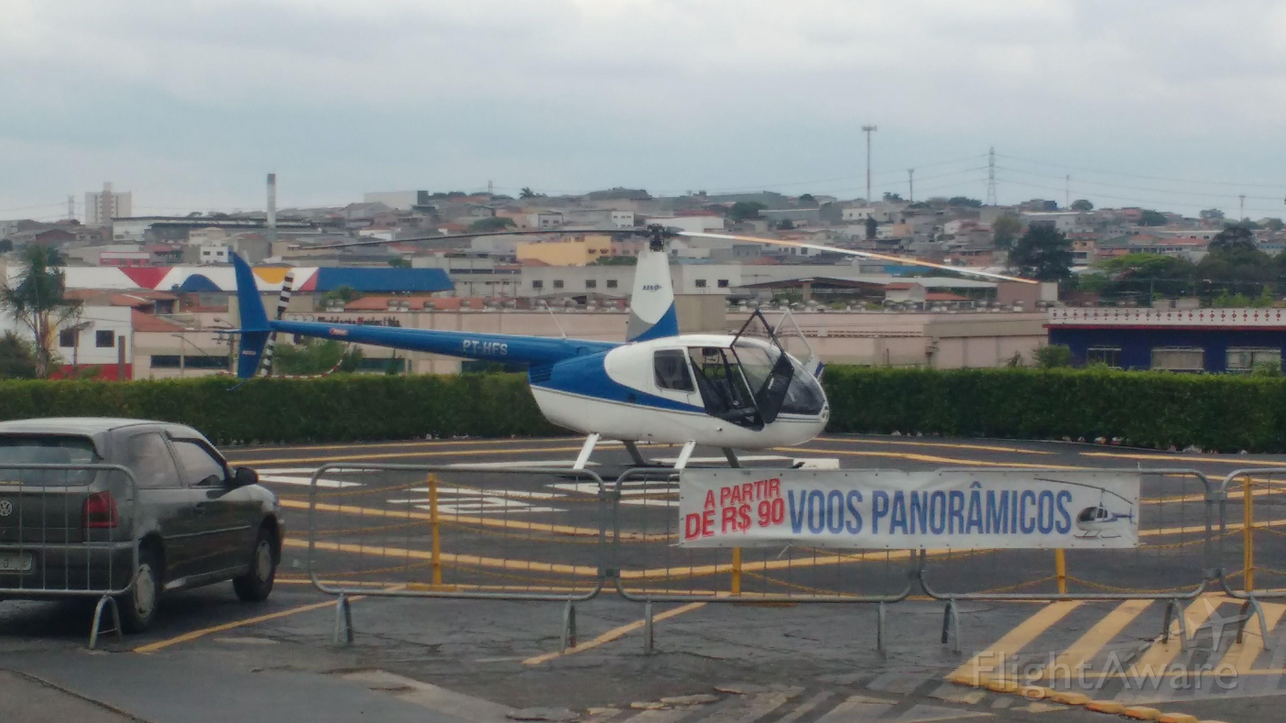 Robinson R-44 (PT-HFS)