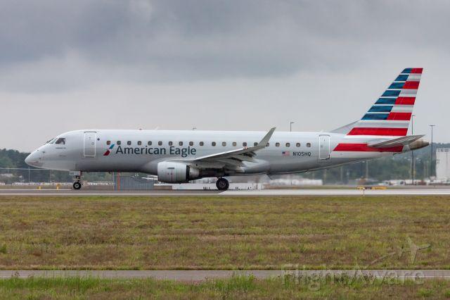 Embraer 170/175 (N105HQ)