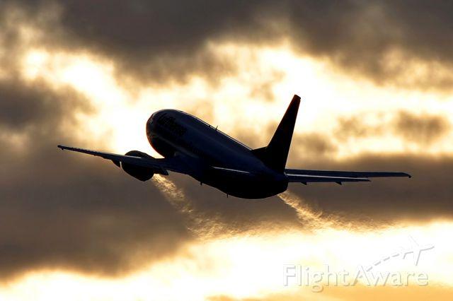 BOEING 737-300 (D-ABXT) - Boeing 737-330 Lufthansa (March 2010)