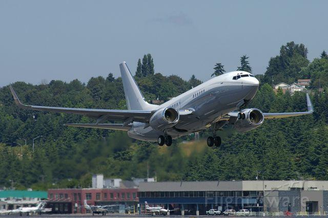 Boeing 737-700 (N2TS) - Sharp looking BBJ seen departing BFI.