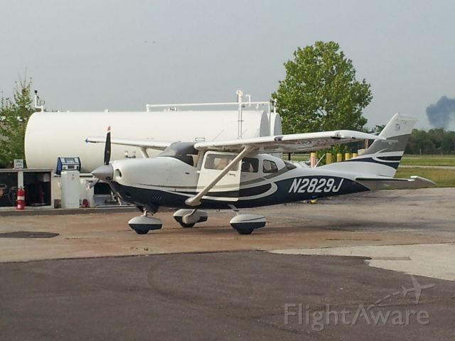 Cessna T206 Turbo Stationair (N2829J)