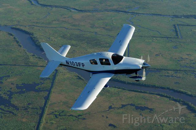 Cessna 350 (N103FP)
