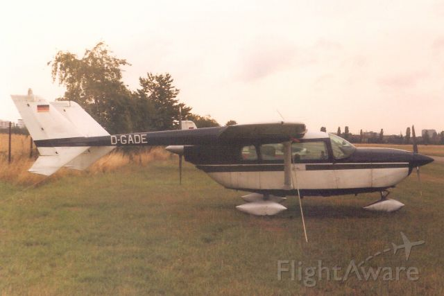 Cessna 336 Skymaster (D-GADE) - Seen here on 1-Aug-89.