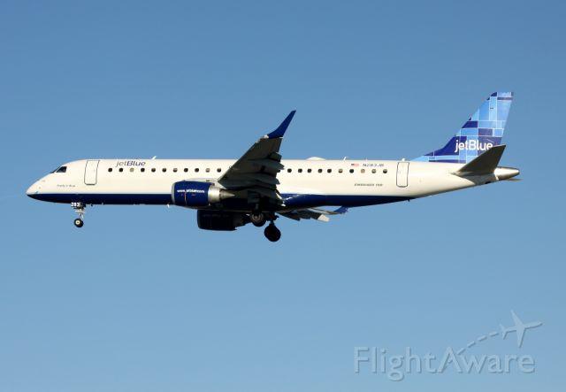"Embraer ERJ-190 (N283JB) - ""Pretty In Blue"" - On Final to 30-L"