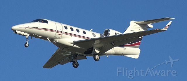 Embraer Phenom 300 (N333QS)