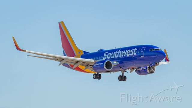 Boeing 737-700 (N933WN)