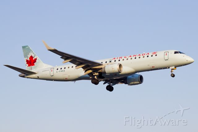 Embraer ERJ-190 (C-FHKE) - During the golden hour arrival in Toronto!br /br /a rel=nofollow href=http://www.jetphotos.net/viewphoto.php?id=7673360http://www.jetphotos.net/viewphoto.php?id=7673360/a