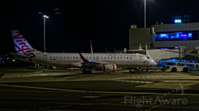 Embraer ERJ-190 (VH-ZPQ)