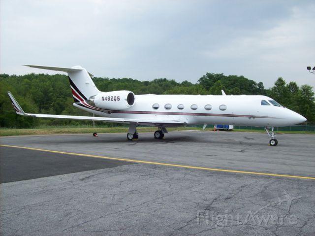 Gulfstream Aerospace Gulfstream IV (N492QS) - On the ramp at Netjets facility White Plains.