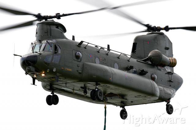 CSZ899 — - RAF Boeing Chinook HC3 [352] ZH899 [cn.M-4478]. At work.