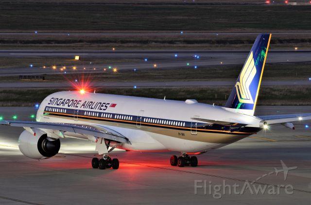 Airbus A350-900 (9V-SMO)