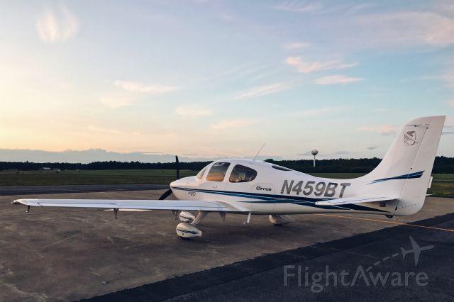 Cirrus SR-20 (N459BT)