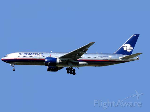Boeing 777-200 (N746AM) - AeroMexico