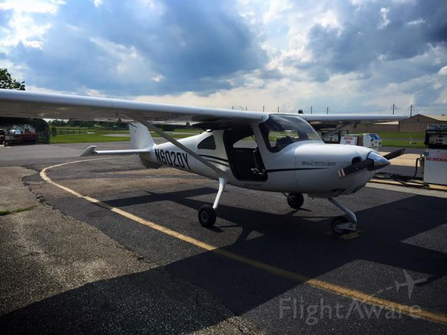Cessna Skycatcher (N6020Y) - Taking the Skycatcher flying at Smoketown airport