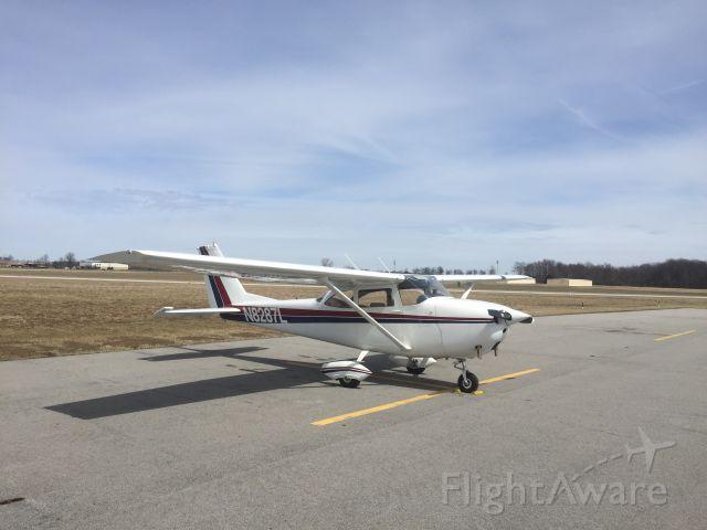 Cessna Skyhawk (N8287L)