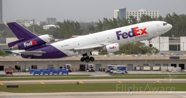 McDonnell Douglas DC-10 (N383FE) - FedEx DC-10 climbing out of RWY 10L
