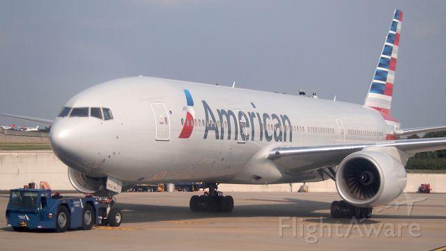 Boeing 777-200 (N787AL)